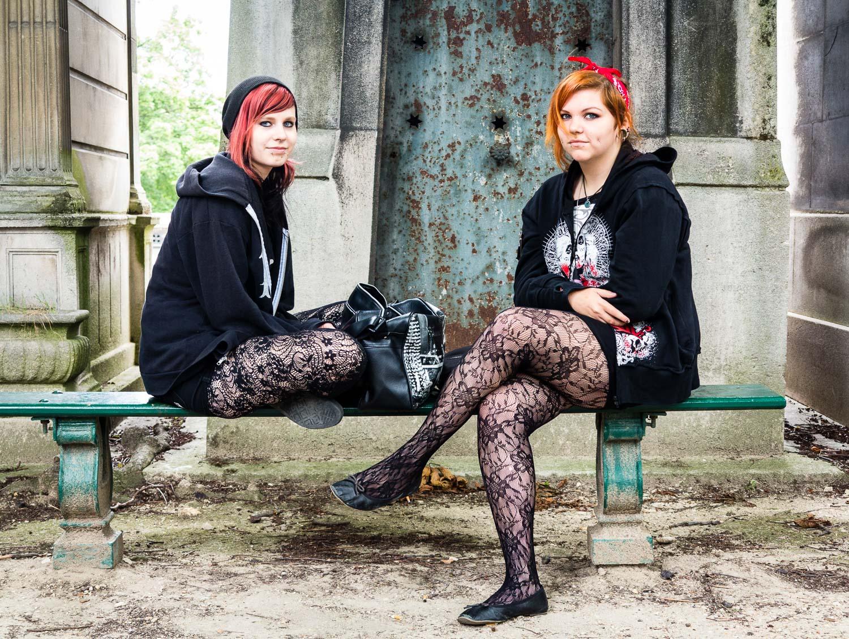 paris-cemetery-punks.jpg