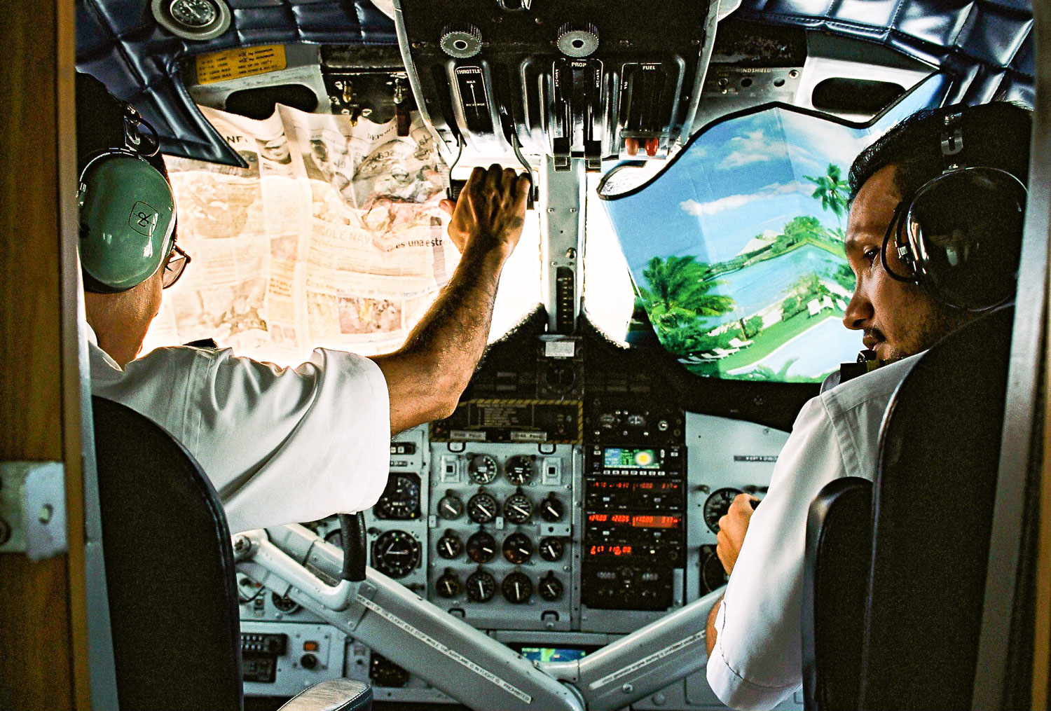 panama-pilots-flying-blind.jpg