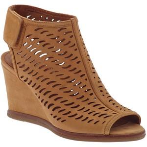 shoes-10.jpg