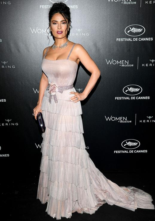 Selma Hayek dazzles in pale pink in Cannes