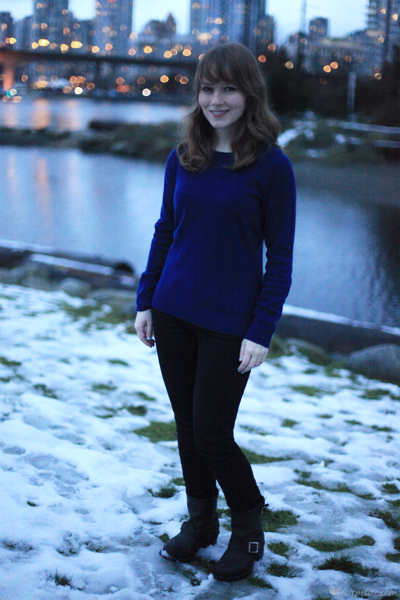Lord and Taylor 2-ply cashmere sweater in navy night size XS petite (other colours   here  ),   Paige Verdugo Crop jeans in size 24 (  here  ), Frye Engineer 8R boots size 5.5 ( here )