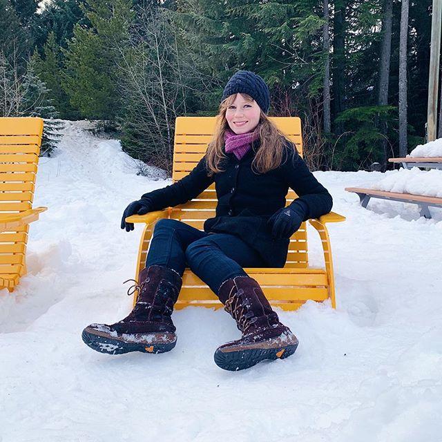 Beach vibes? 🏖❄️ . . . #shortgirllife #timberland #aritzia #paige #liveinit #burton #petites #petitefashion #petitestyle #smallfeet #smallshoes #petiteshoes #shortgirl #shortgirls #shortgirlproblems #boots #petiteblogger #petiteblog #ootdpetite #winterboots #snowfashion #winterfashion #coldweatherstyle #winterstyle #styleblogger #fashionblogger #nordstrom #fashionblog #ootdwinter #winterootd
