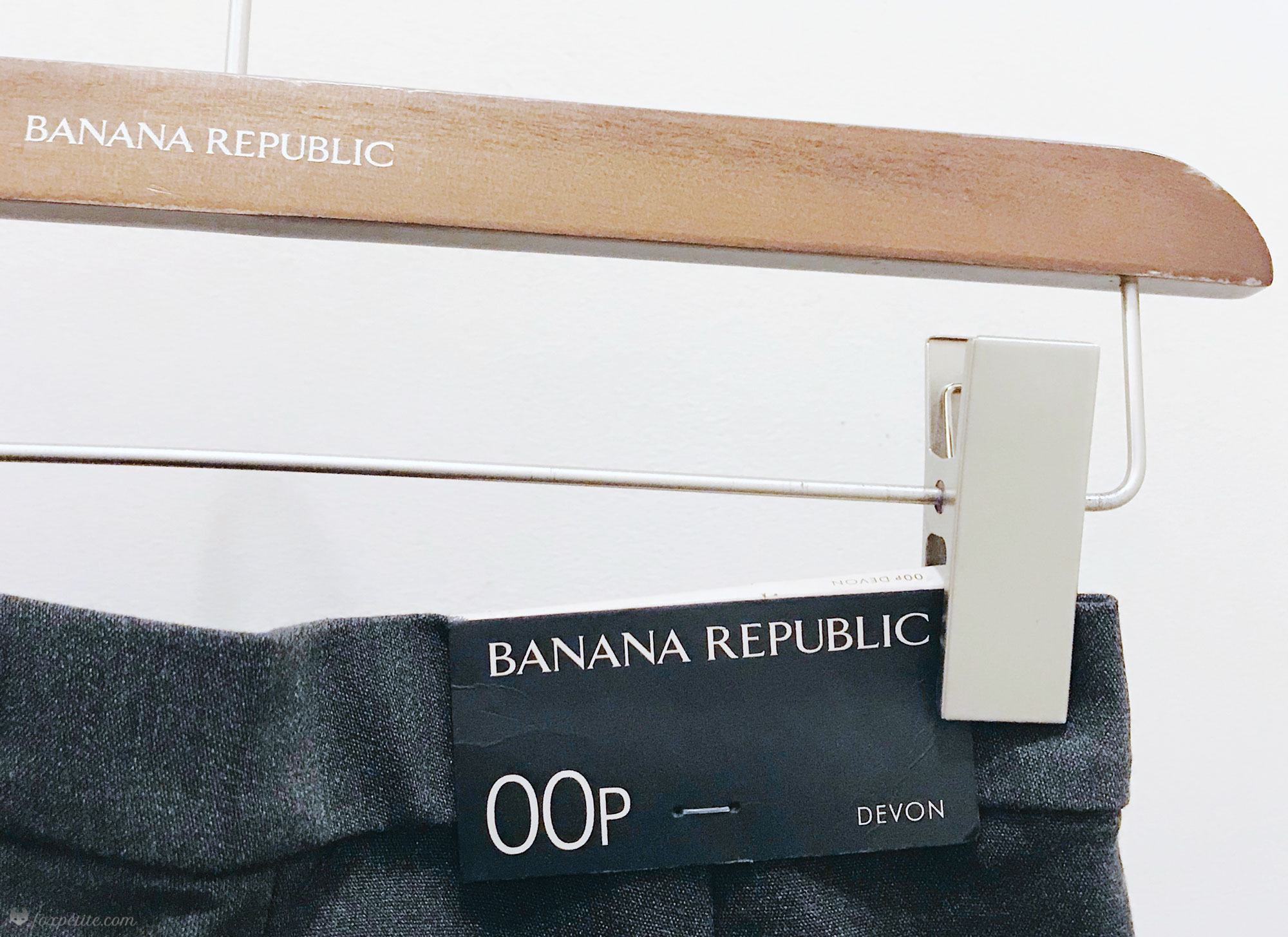 Banana Republic Petites try-on | blogger Fox Petite dressing room photos | #bananarepublic #tryon