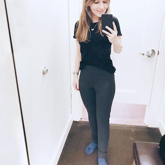'Ankle length' pants? Not so much on me but they aren't dragging on the floor, either! 😁 New blog post up with some Banana Republic try on photos. . . . #bananarepublic #bananarepublicpetite #bananarepublicpetites #workwearpants #greypants #devonpants #workwear #womensworkwear #officeoutfit #9to5chic #womenssuiting #petiteworkwear #dressingroom #fittingroom #petitefashion #petiteblogger #petitefashionblogger #petitesize #petitepants #petitesizeclothing #petitestore #shortgirlproblems #shortgirlprobz #shortgirllife #petitelife #workwearstyle #ootdwork #workwearblog #anklelengthpants #workwearfashion