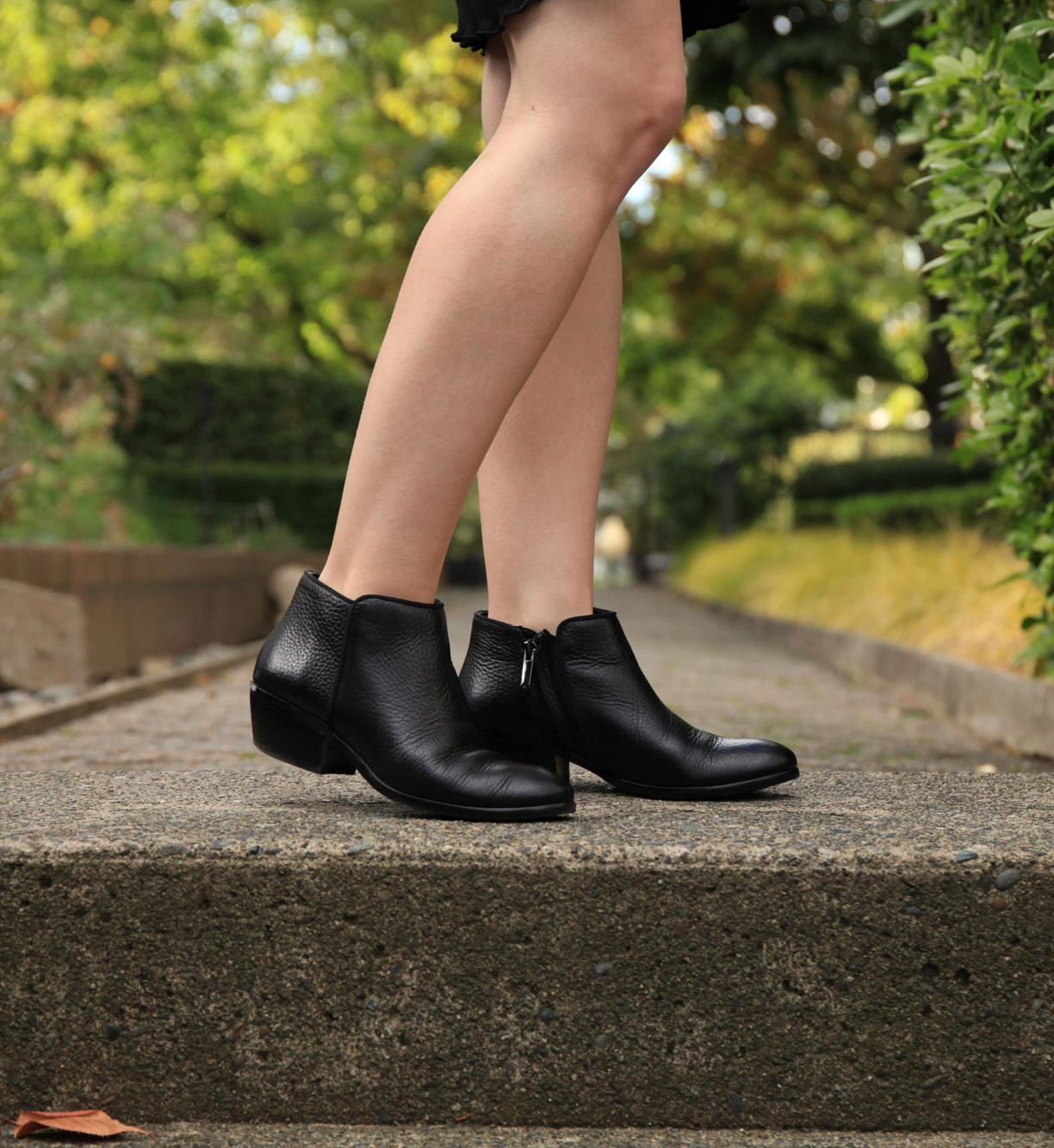 Small Size Neutral Booties for fall | a roundup of tan and black fall boots available in small sizes | fall boots for petite feet | Fox Petite women's fashion blog | #fallfashion #booties #ankleboots #petitefashion