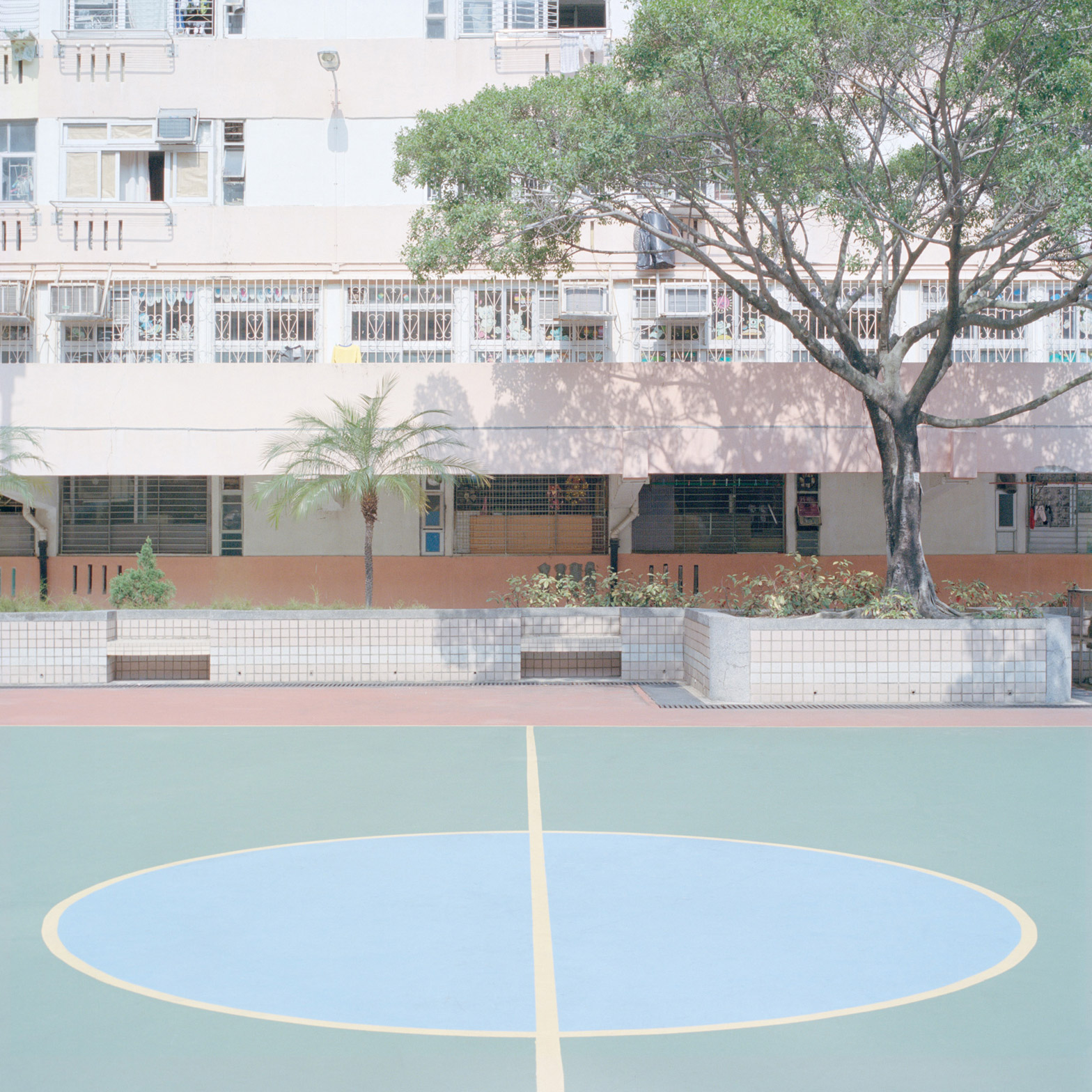 courts-by-ward-roberts_dezeen_1568_38.jpg