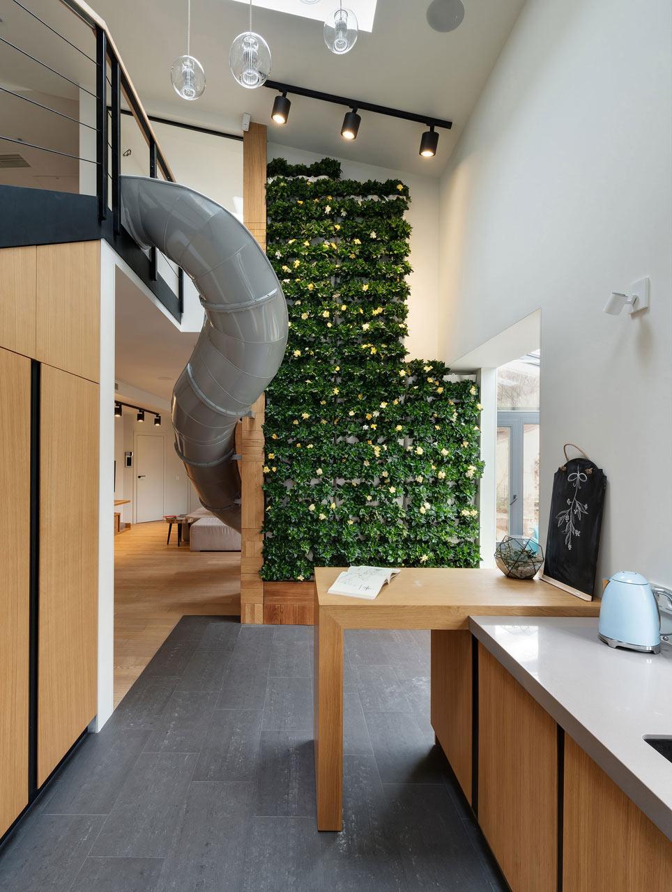 Apartment-with-a-slide-Ki-Design-Studio-2.jpg