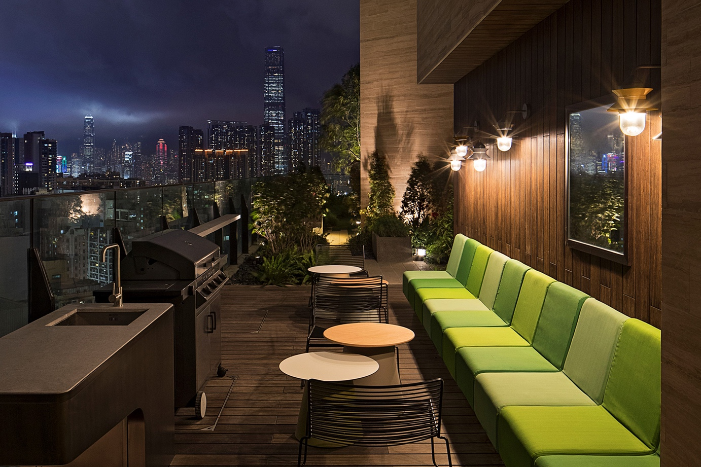 http-%2F%2Fhypebeast.com%2Fimage%2F2017%2F05%2Fskypark-offers-hong-kong-residents-a-more-communal-living-experience-0010.jpg