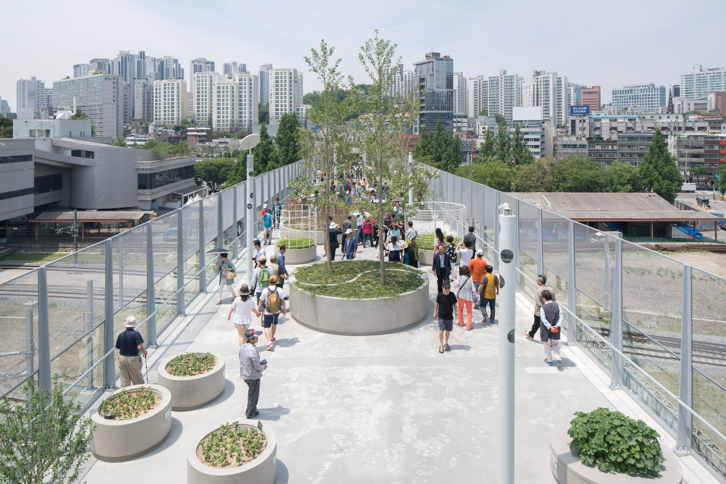 skygarden-mvrdv-architecture-landscape-urbanism-seoul-south-korea-_dezeen_2364_col_16.jpg