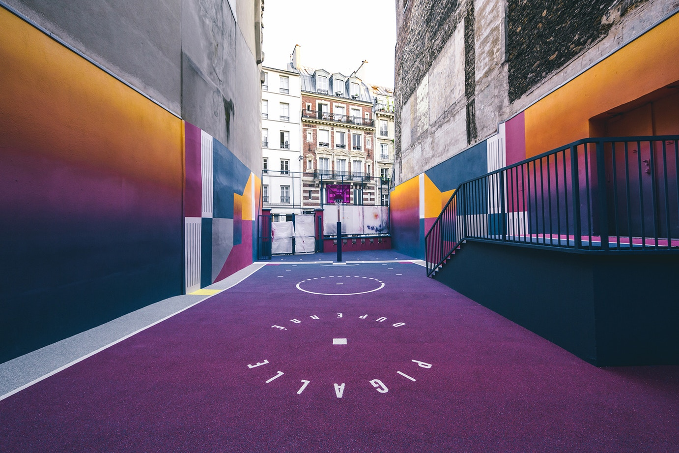 http-%2F%2Fhypebeast.com%2Fimage%2F2017%2F06%2Fpigalle-latest-basketball-court-design-eclectic-colorful-navy-purple-yellow-7.jpg