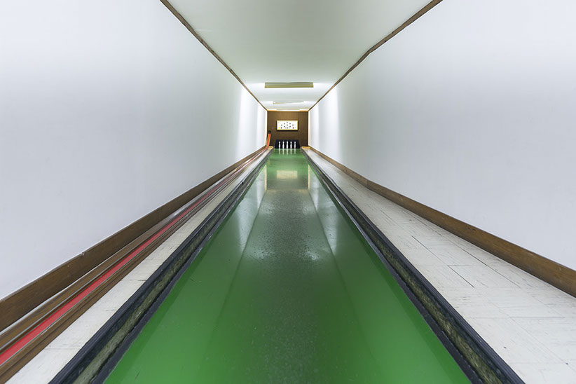 vintage-bowling-alleys-robert-gotzfried-4.jpg