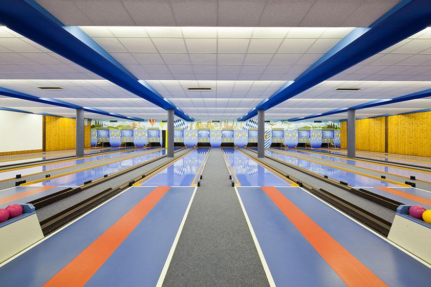 vintage-bowling-alleys-robert-gotzfried-6.jpg