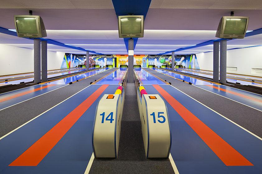 vintage-bowling-alleys-robert-gotzfried-5.jpg