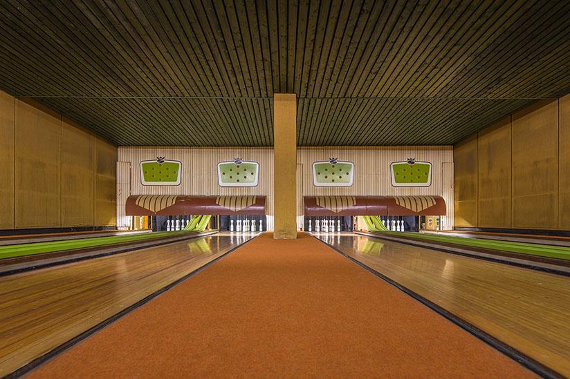 vintage-bowling-alleys-robert-gotzfried-7.jpg