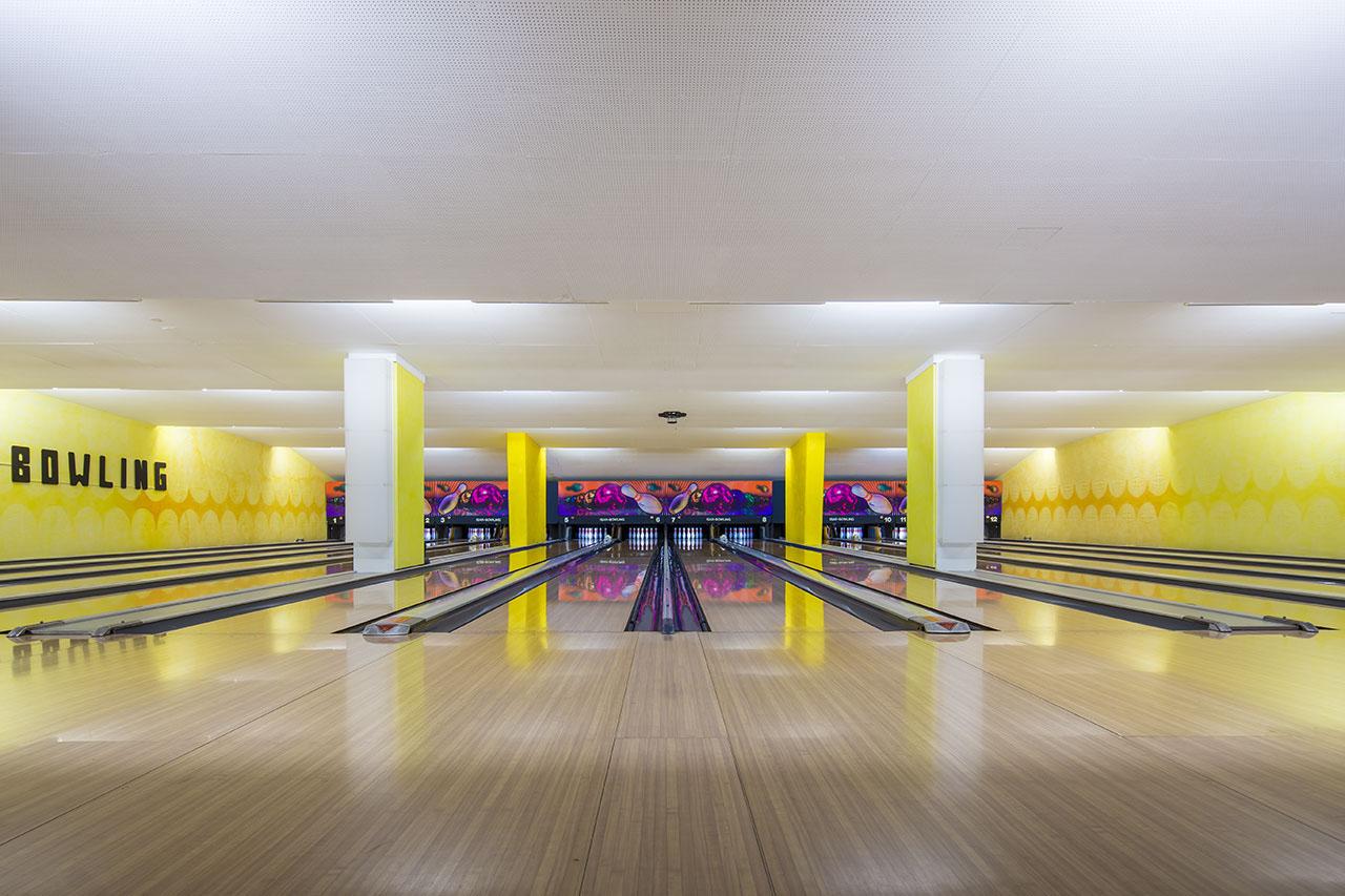 vintage-bowling-alleys-robert-gotzfried-9.jpg