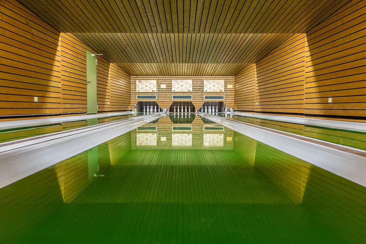vintage-bowling-alleys-robert-gotzfried-11.jpg