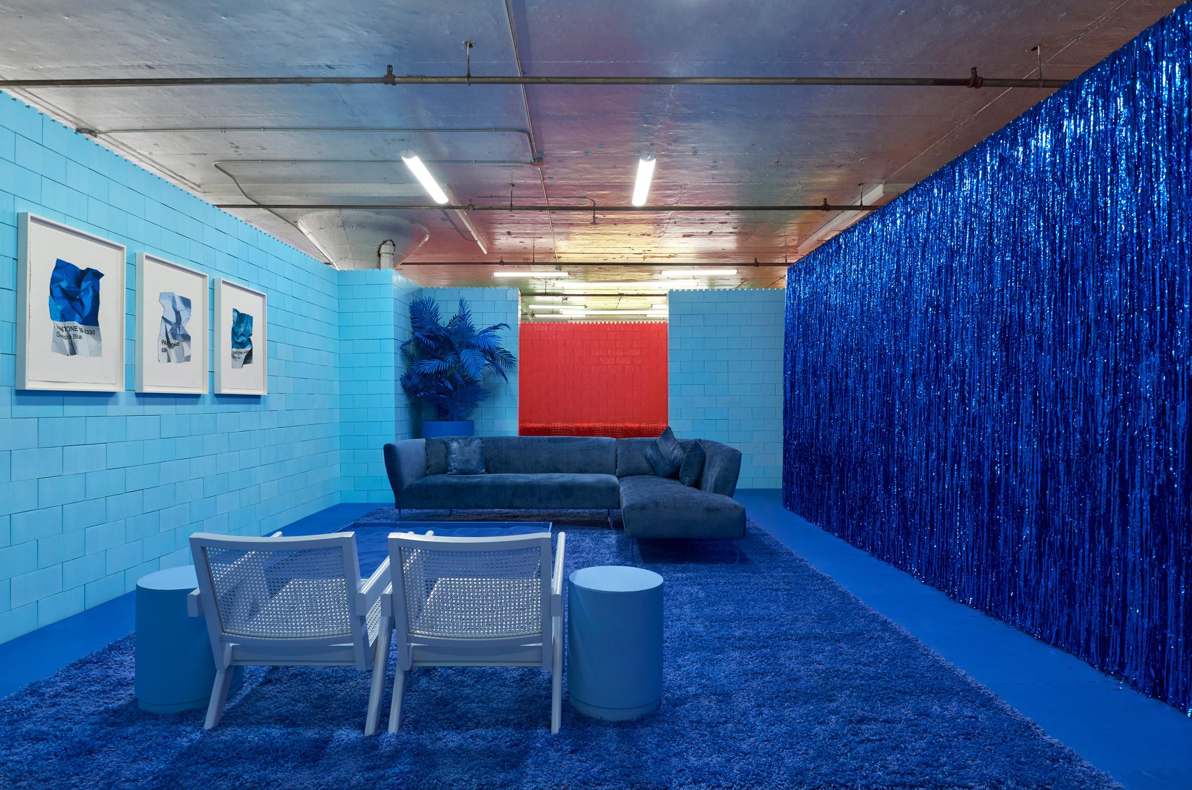 monochrome-cj-hendry-brooklyn-exhibition-colour-rooms-new-york-usa_dezeen_2364_col_20.jpg