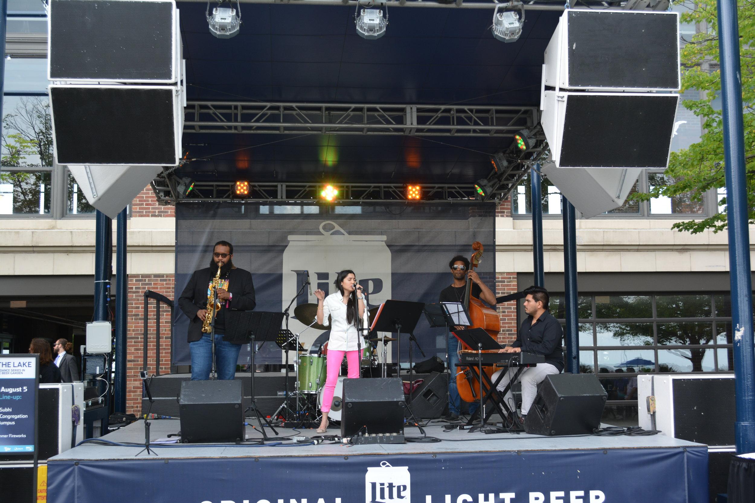 Live Performane at Navy Pier Chicago - 2.JPG