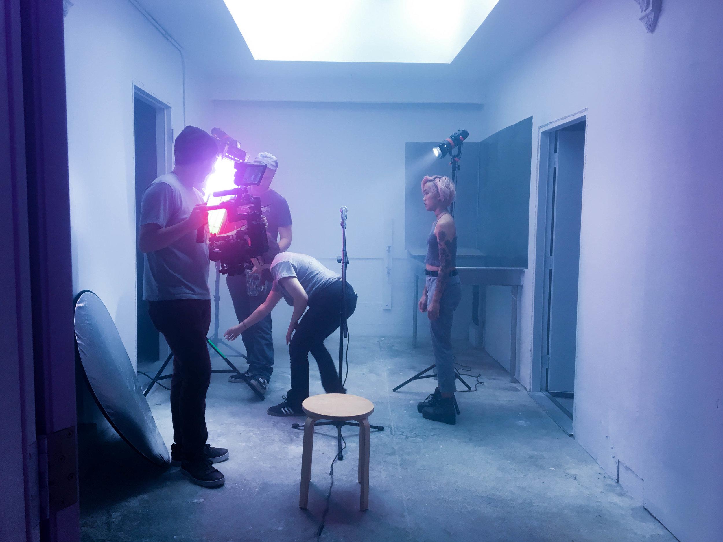 behind the scenes still by lien do