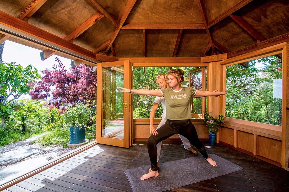Luxury-Accommodation-New-Zealand-Split-Apple-Retreat-Yoga-Pavillion_Lesson