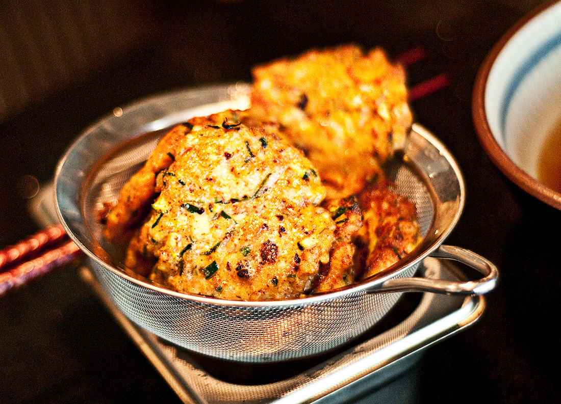 Healthy fish cakes with sweet chilli sauce