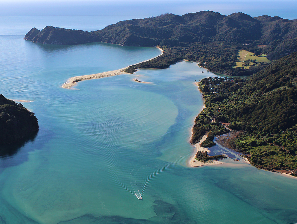 Bespoke helicopter trip to remote spots of the top of the South