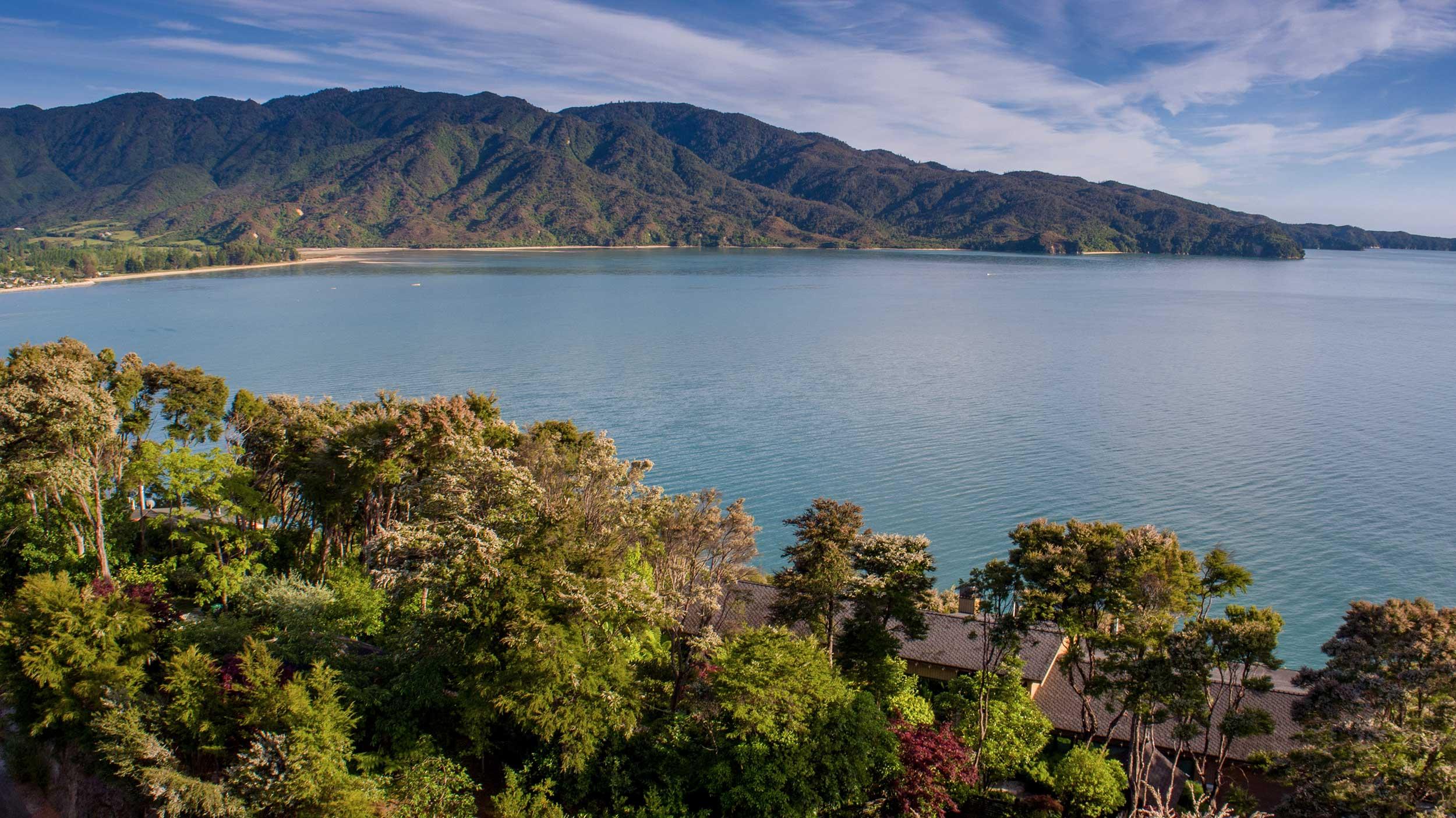 Luxury-Accommodation-New-Zealand-Split-Apple-Retreat-Healthy-From-Above.jpg