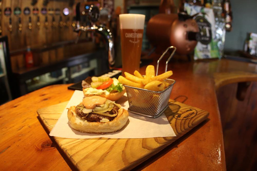 the-bierfassl-burger-and-beer-web.JPG