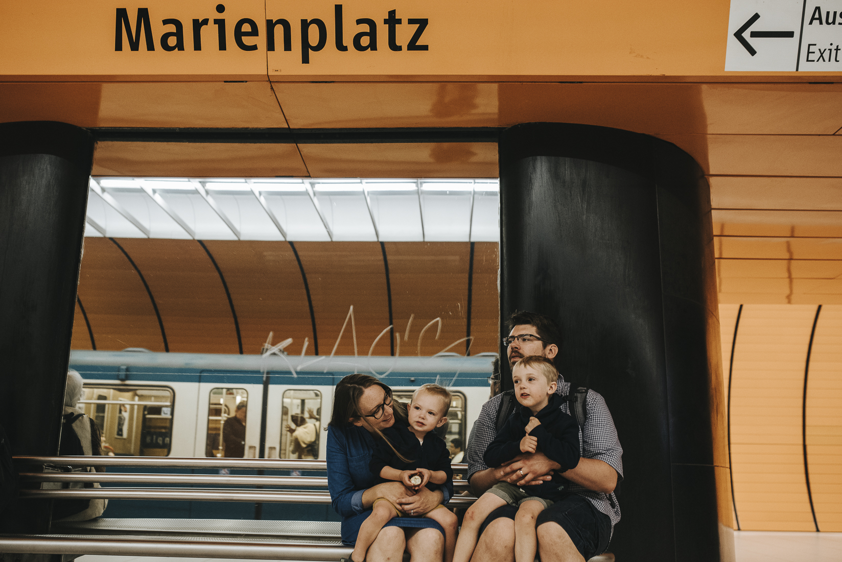 Family-in-Marienplatz-sBahn-station.jpg