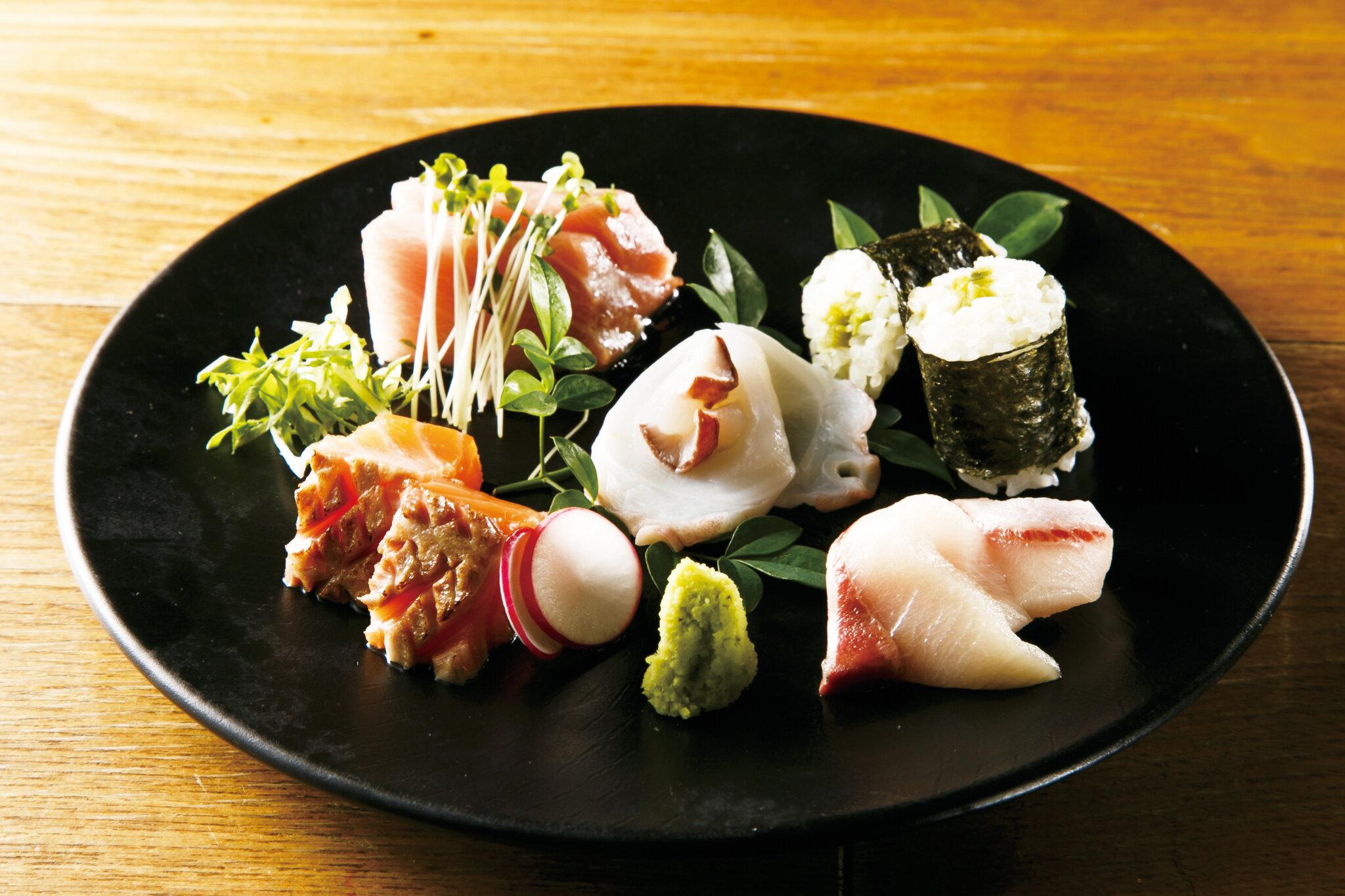 刺身盛り合わせ・一人前 Assorted Sashimi for 1pax ($18)
