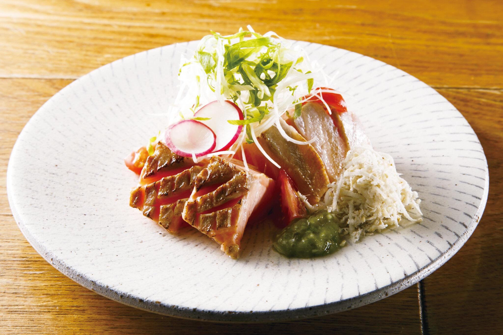 炙りサーモン山ワサビ Grilled Salmon Sashimi with Horse Radish from Hokkaido ($14)