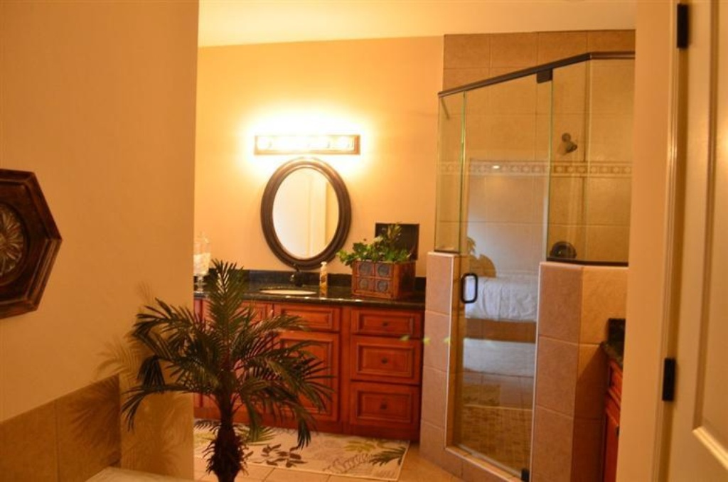 149 master bath.jpg