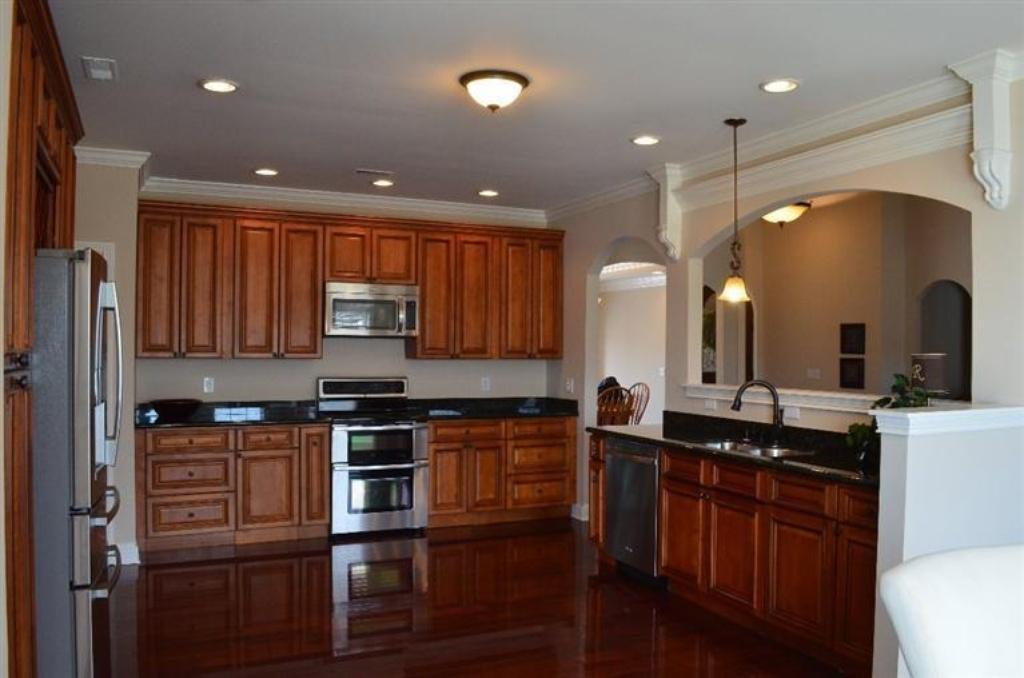 149 kitchen.jpg