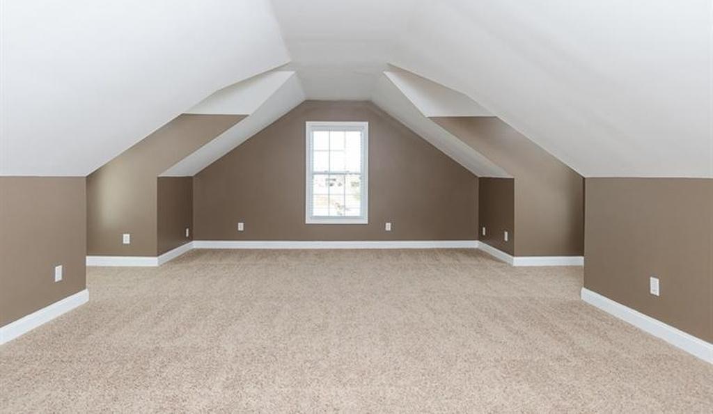 161 bonus room.jpg
