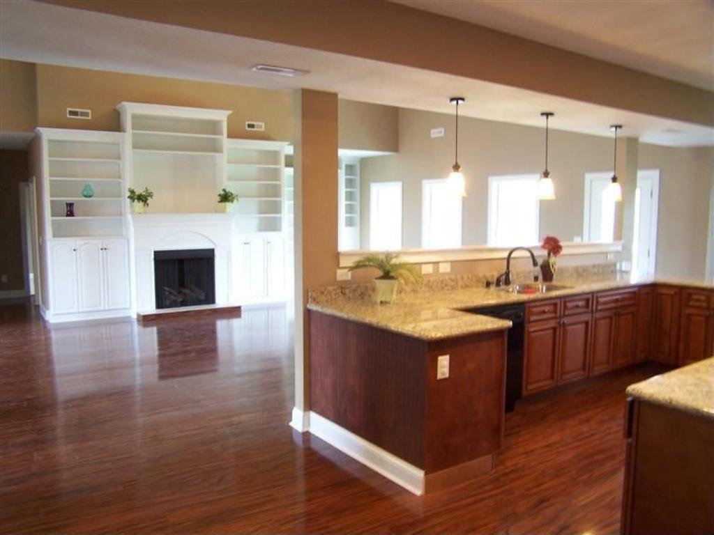 151 kitchen.jpg
