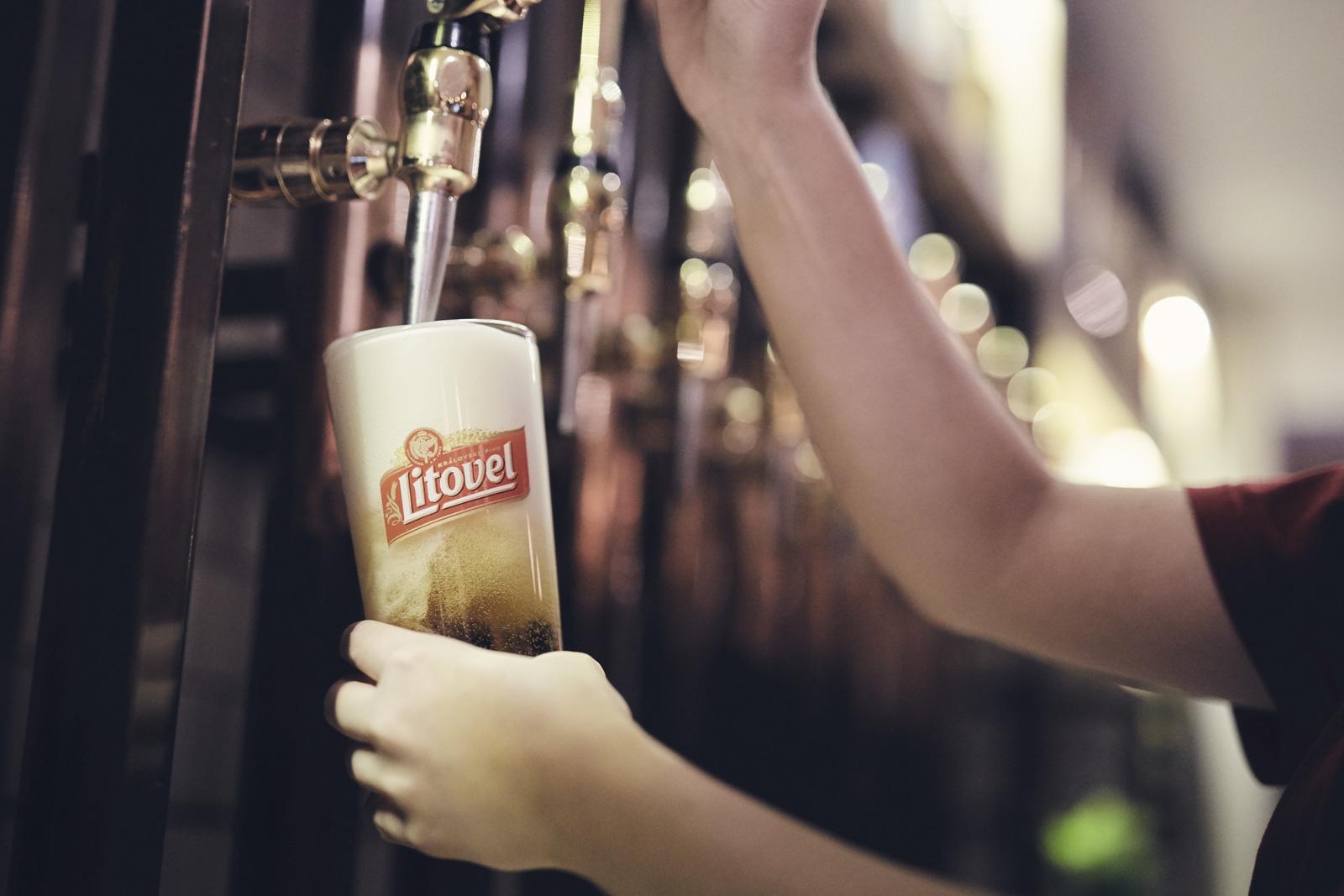OLIVER_EDWARDS_THE_LITTON_DRINKS_010.jpg