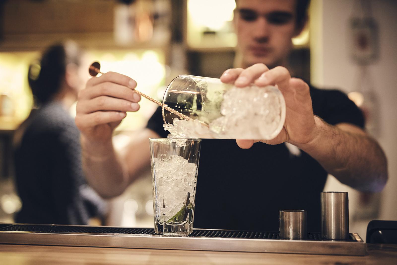 OLIVER_EDWARDS_THE_LITTON_DRINKS_022.jpg