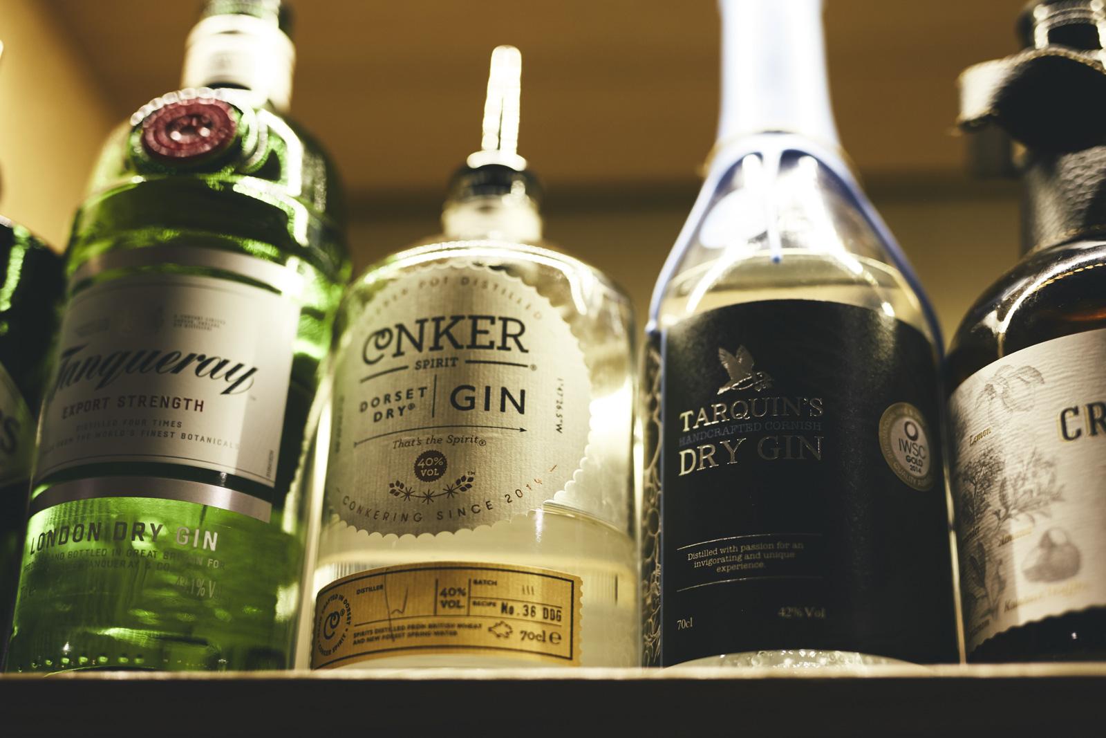 OLIVER_EDWARDS_THE_LITTON_DRINKS_027.jpg