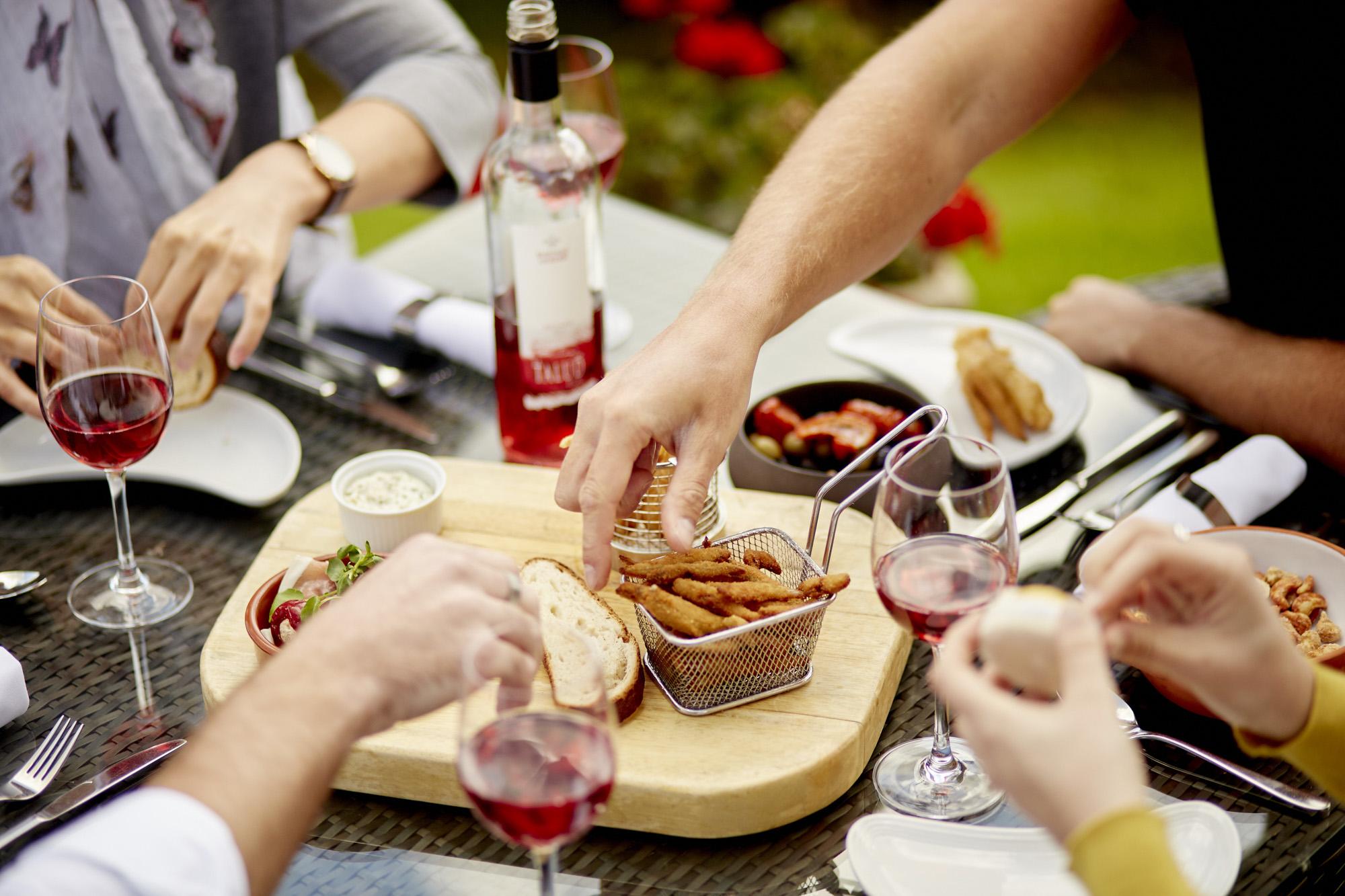 CM_ALFRESCO_DINING_044.JPG