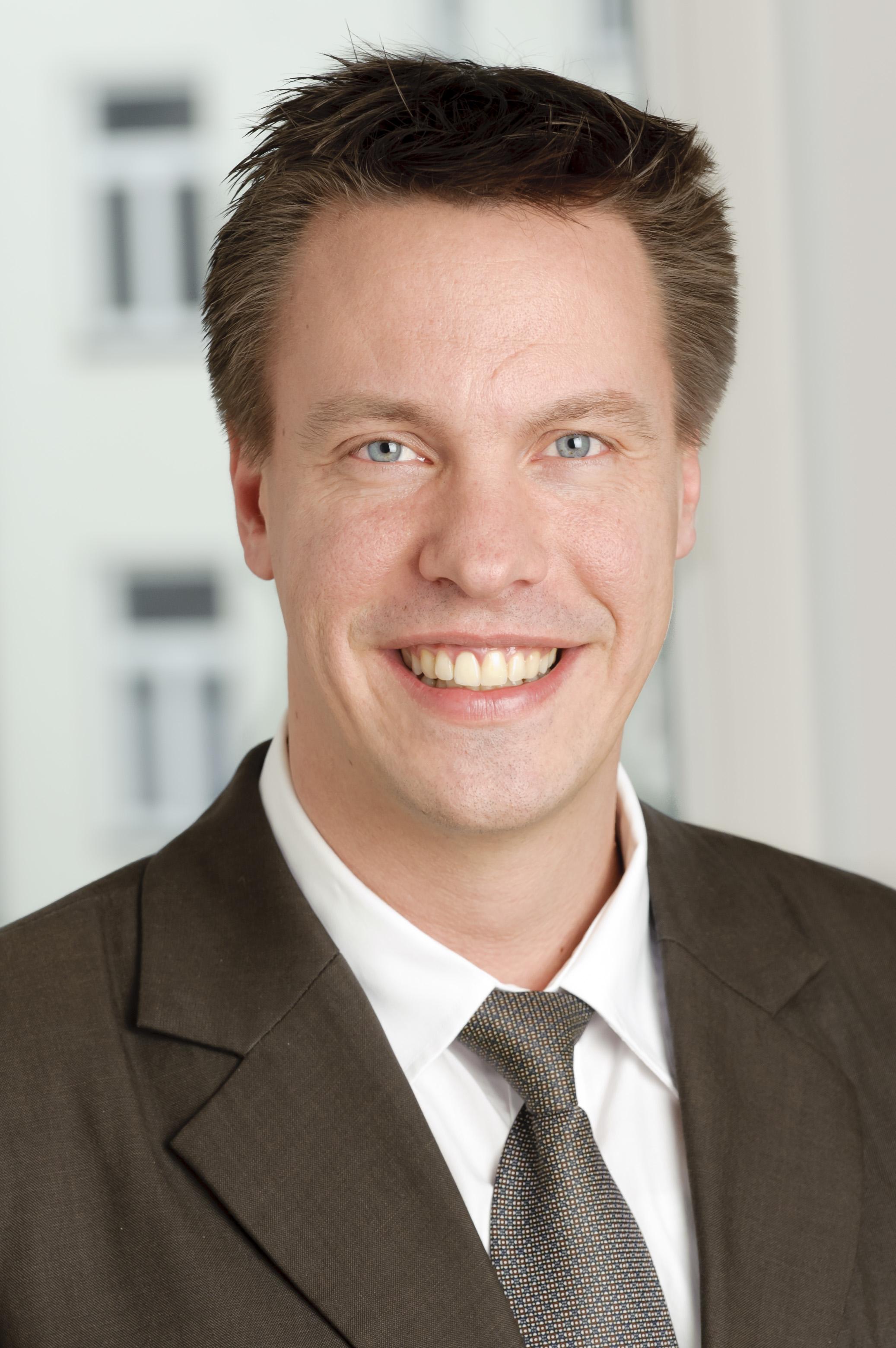 markus huber, Senior Manager