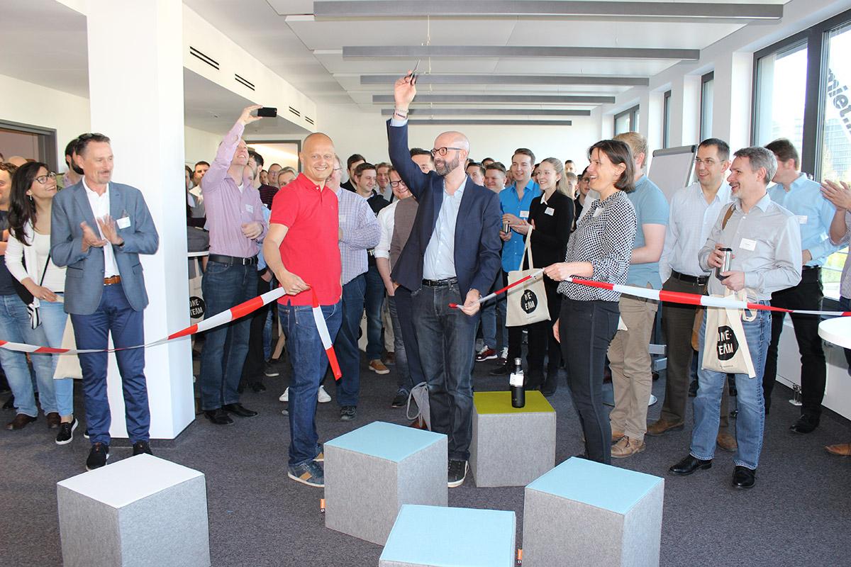 Eröffnung der neuen Firmenzentrale in München