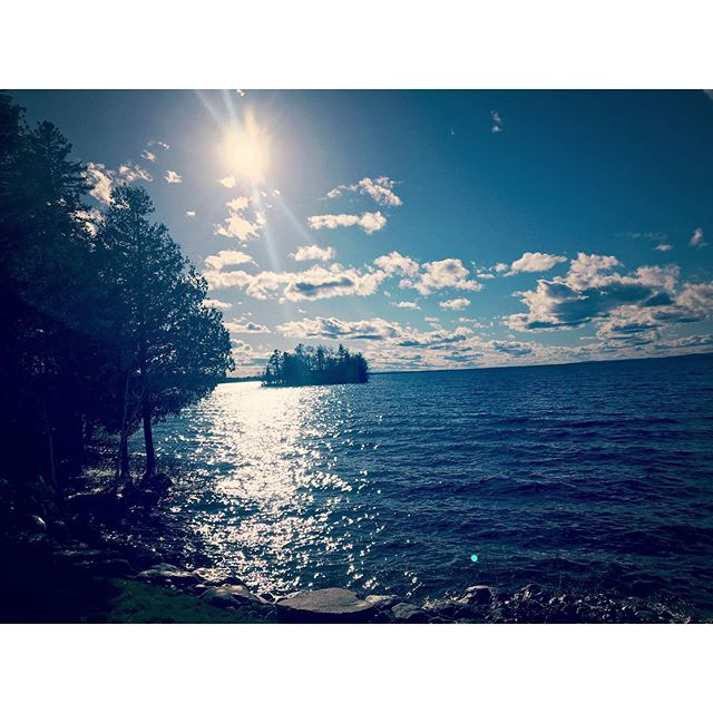 Favourite time of the year. I love to go up to the cottage and relax by the lake. It sounds simple, but I miss it when living in hotels.  #searsonband #searson #searsonmusic #goldenlake #ottawavalley #sunset #ottawavalleystepdancing #
