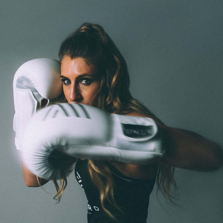 140_UNDRCARD_Boxing_Studio_Calgary_boxing_classes_instructor_cornercrew_KaysiKaySlay.jpg