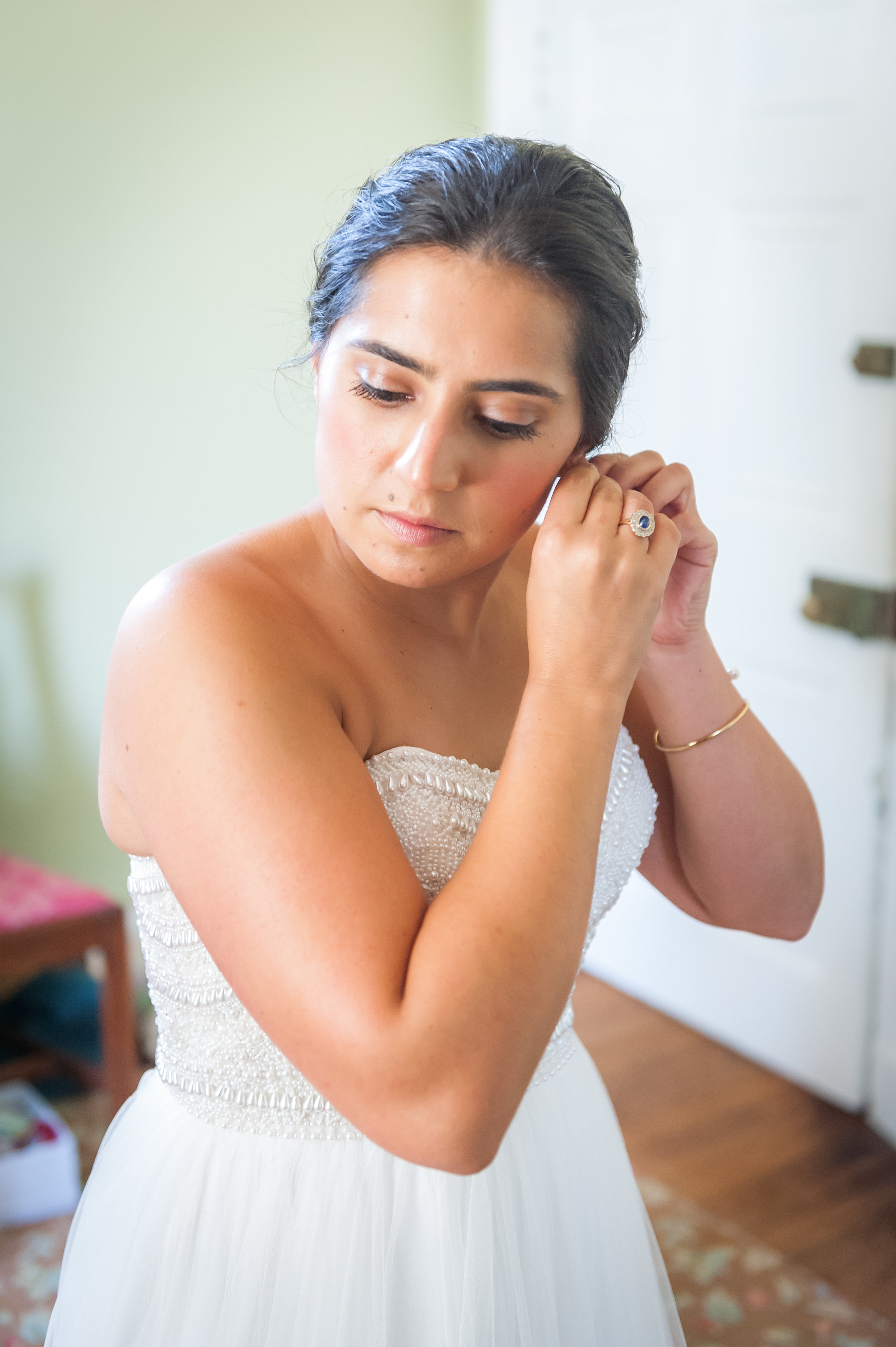 062318 VA Sara Smith + Rob - Jamie Zunno Photography LC DHGettingReady-54.jpg