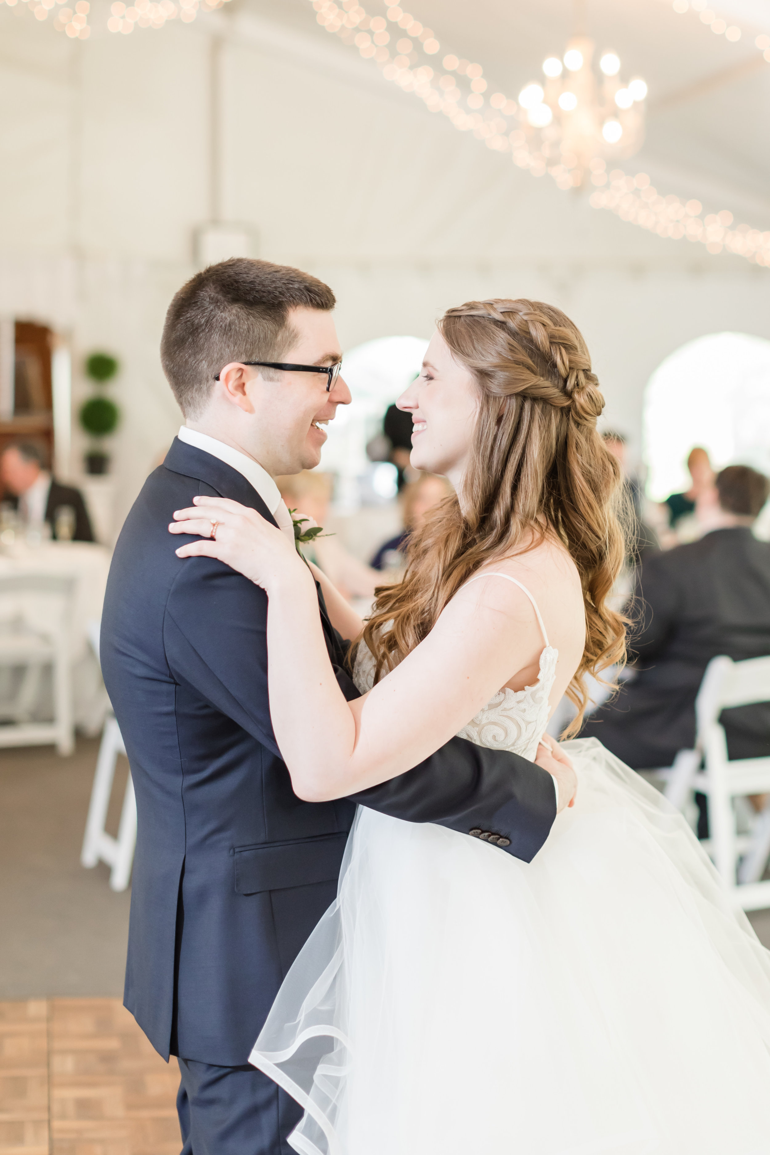 Hildebrand WEDDING HIGHLIGHTS-200.jpg