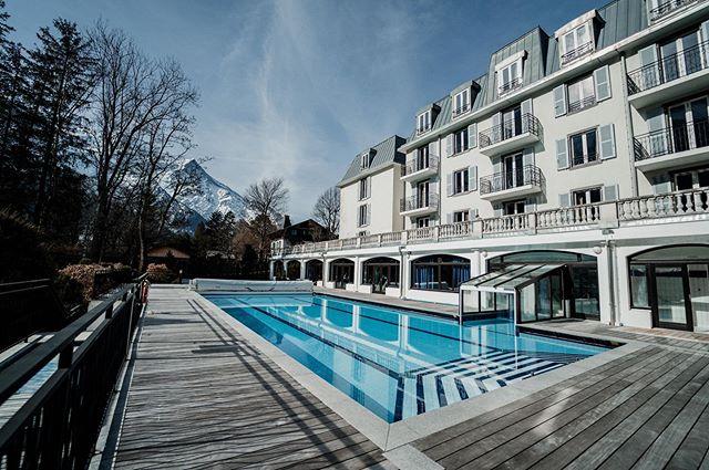 La rentrée est lancée chez @aylovoyages ! ☀️❄️ La tête encore sur les plages de sables fins, il est tout de même temps de commencer à réserver votre séjour ski en montagne pour l'ensemble de vos collaborateurs 🎿  Chamonix, les @2alpes, l'@alpedhuez, @val_thorens, @zéro att.matterhorn... nous travaillons dans les plus grandes stations de France et de Suisse... mais aussi des stations à taille humaine pour un budget sur mesure ! 🇫🇷🇨🇭 Alors n'hésitez plus pour nous contacter et demander votre devis personnalisé ! 🖊  #ski #convention #event #séminaire #montagne #entreprise #chamonix #valthorens #les2alpes #alpesdhuez #hotel #sejourski #winter #teambuilding #esf 📸 @benlevyphoto