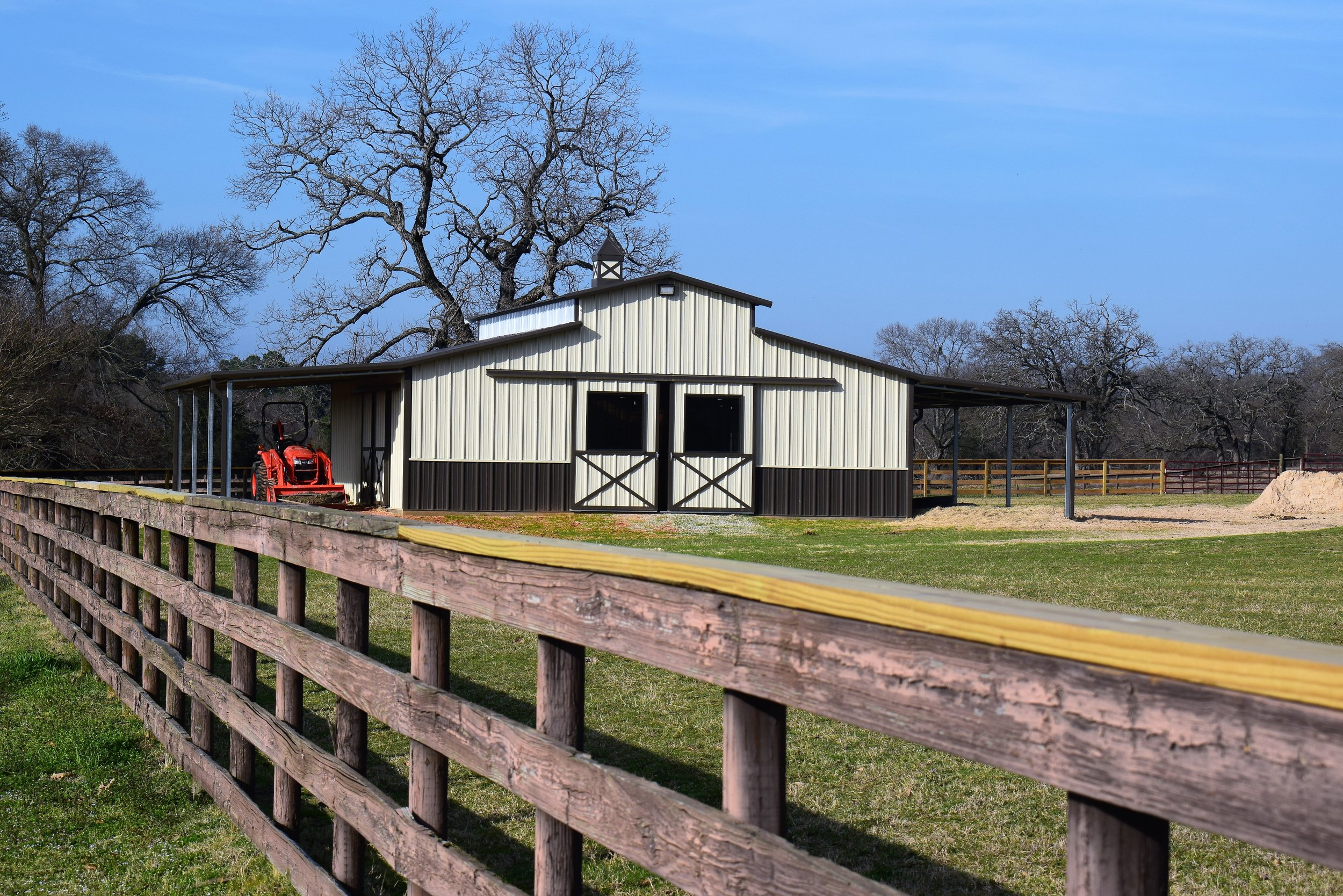 Ameristall Horse Barns - Raised Center Aisle to Event Arenas