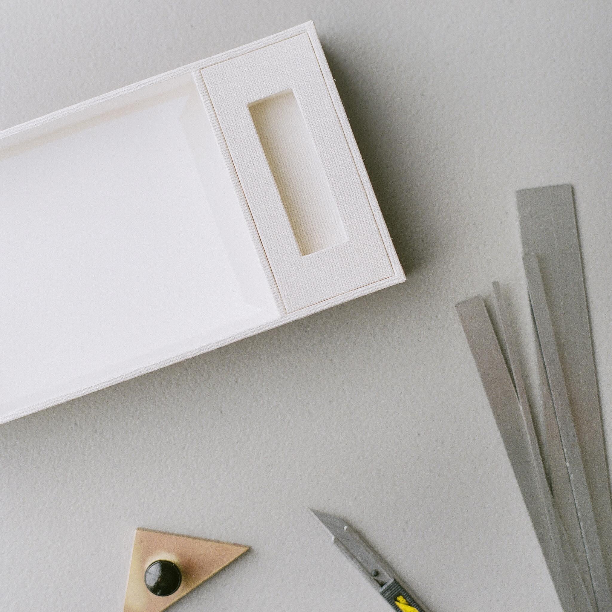 LuxBindery-BoxConstruction.JPG