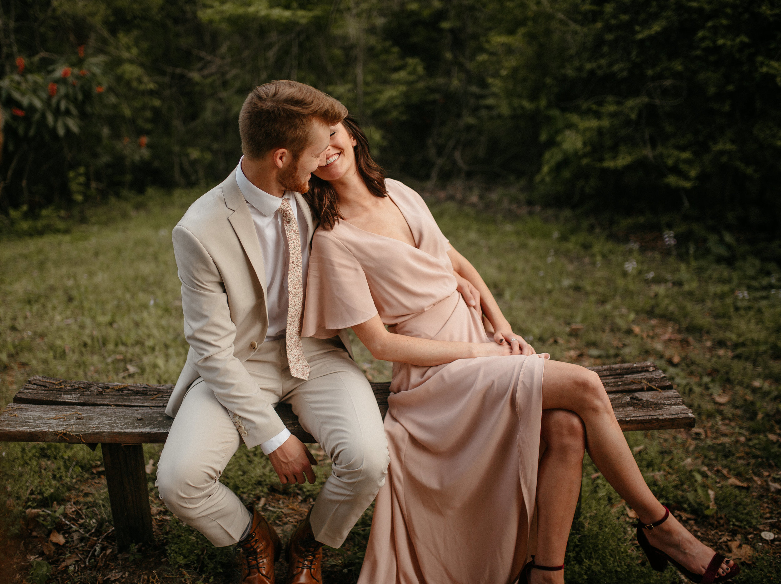 memphis-tennessee-wedding-photographer-the-hatches-utah-colorado-washington-arizona-oregon-yosemite-national-park-elopement-adventure-emotional-journalistic-spring-florals-colorful-intimate