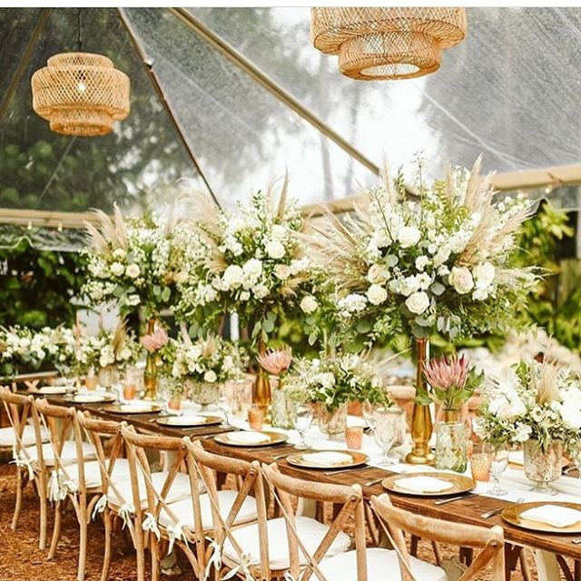 Venue| @hemingwayhomeevents  Planner| @destinationweddingstudio Photography| @stephanieparsley Floral Design| @duartefloraldesign  Rental| @eventfullyyoursrentals . . . .  #destinationweddings  #destinationwedding #keywestwedding #duartefloraldesign #hemingwayhomeweddings #instawedding #receptiondecor